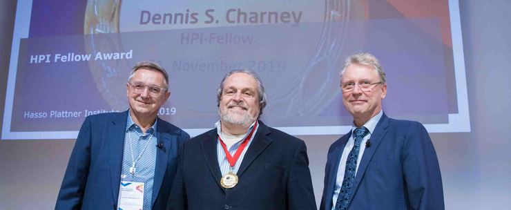 Award for Dennis Charney by Christoph Meinel and Erwin Böttinger